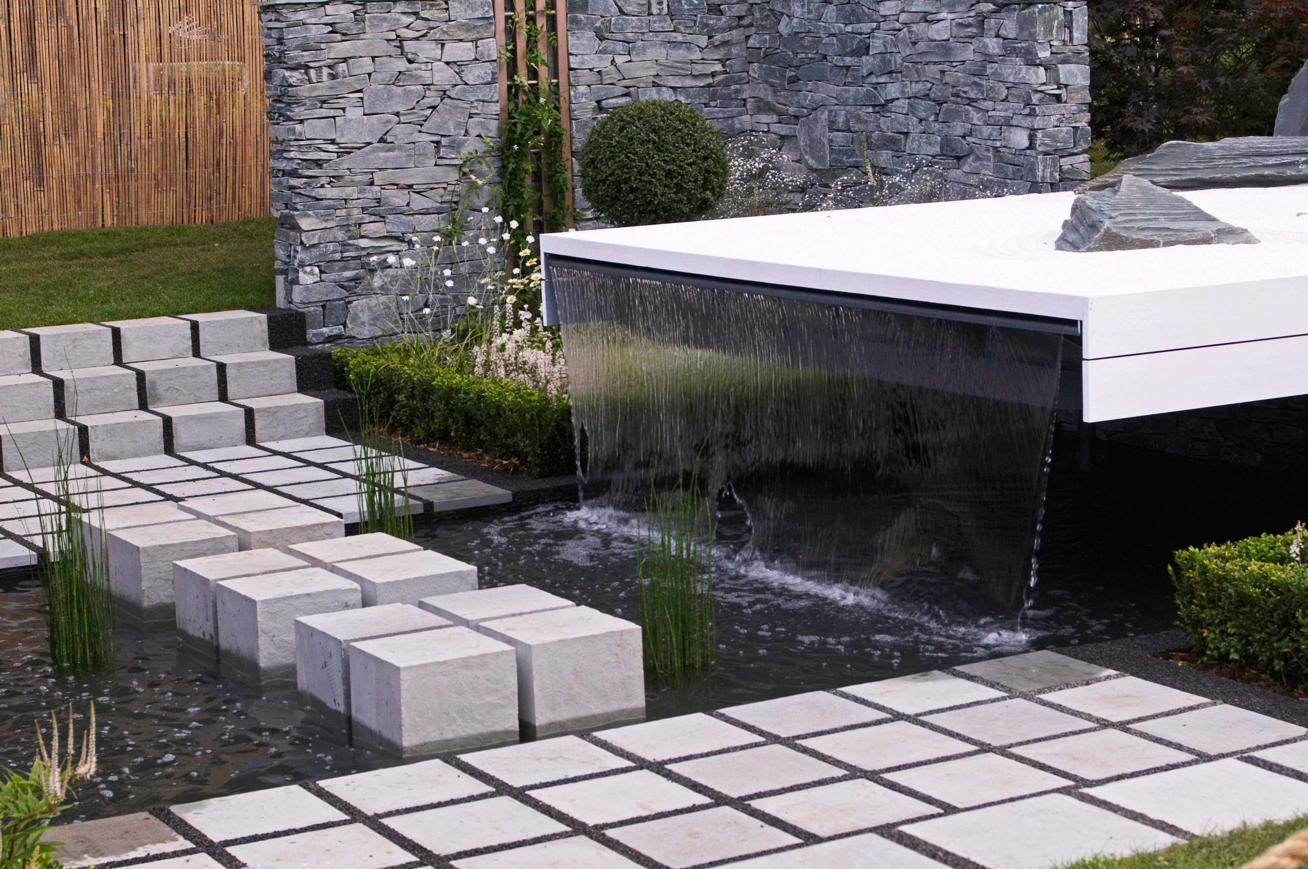 Garden Water Feature And Fountains Installation Company Hounslow TW3